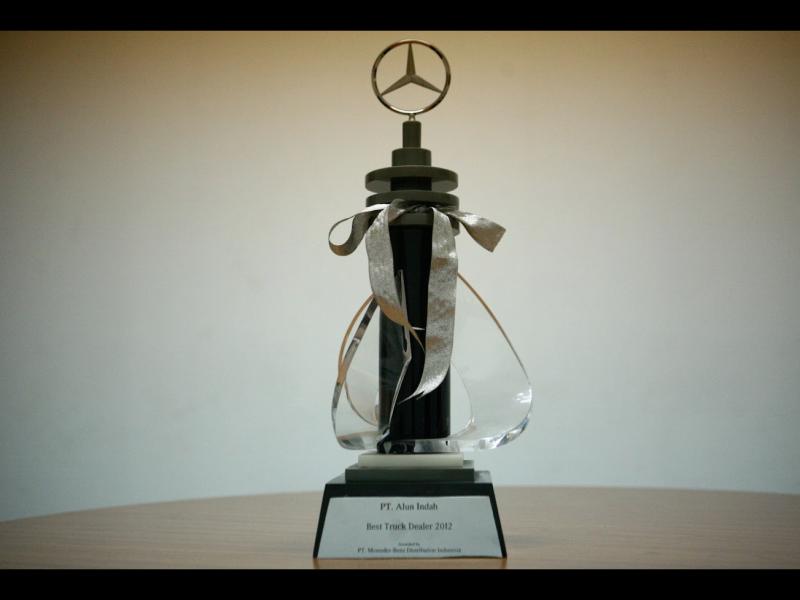 Mercedes Benz Commercial Vehicles - The Best Truck Dealer 2012